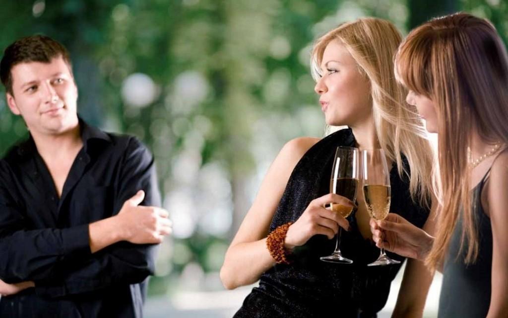 Женщины хотят поскорее познакомиться с мужчинами  276505